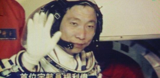 Astronauta Yang Liwei, o primeiro chinês a ir ao espaço, em 2003