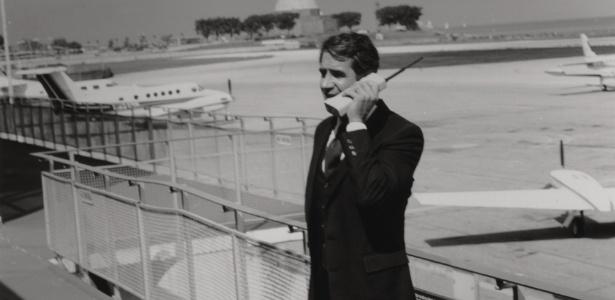 Muito mais do que acontece hoje, o primeiro celular da história era um grande símbolo de ostentação