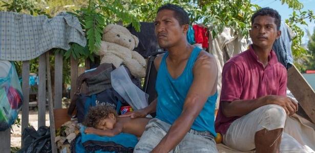 Em Boa Vista, milhares de venezuelanos dormem em barracas, redes ou simples pedaços de papelão estendidos nas ruas - DW/Y. Boechat