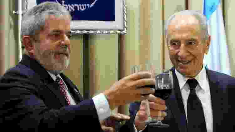 O ex-presidente Luiz Inácio Lula da Silva e o ex-presidente israelense Shimon Peres em Israel em 2010 - MARK NEYMAN/AFP - MARK NEYMAN/AFP