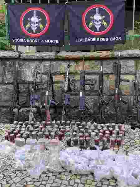 Armas e munições apreendidas em ação no Complexo do Alemão - Divulgação
