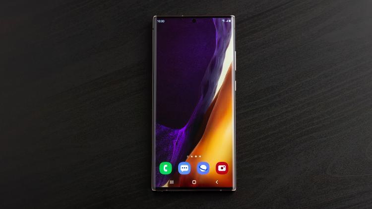 Nota 20 Ultra visto de frente: o celular mantém as características da linha - Press release - Press release