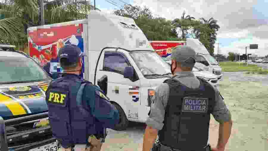 Caminhão roubado em ação criminosa em Pernambuco - Divulgação/Polícia Militar de Pernambuco
