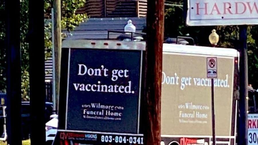 Apesar de polêmica, campanha tem o objetivo de conscientizar para a imunização - Reprodução/Twitter