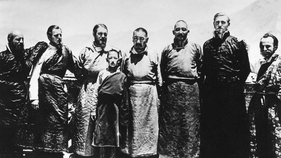 Ernst Schafer (terceiro a partir da esquerda) no Tibete em 1939 - ULLSTEIN BILD DTL/GETTY IMAGES