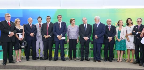 Presidente Dilma Rousseff durante encontro com Juristas pela Legalidade e em Defesa da Democracia, em Brasília