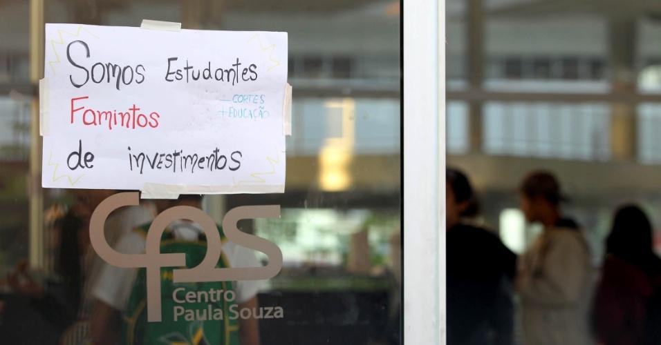 """1º.mai.2016 - Estudantes secundaristas mantêm ocupação do Centro Paula Souza, na região central de São Paulo, em protesto contra a """"máfia da merenda"""" e aos cortes nos repasses para a educação"""