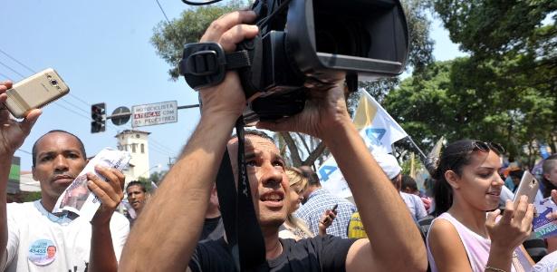 Cinegrafista registra caminhada em São Miguel Paulista, na zona leste de São Paulo