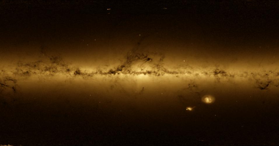 10.nov.2016 - VIA LÁCTEA EM 3D - A missão espacial Gaia, da ESA (Agências Espacial Europeia), está pesquisando as estrelas da nossa galáxia para construir um mapa 3D preciso da Via Láctea. Lançada em 2013, a missão já gerou seu primeiro catálogo de mais de um bilhão de estrelas, o maior já levantado de objetos celestes até hoje. A imagem ajudará cientistas a responder perguntas sobre a estrutura, a origem e a evolução da Via Láctea