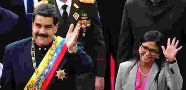 Presidente Nicolás Maduro chega ao congresso da Venezuela com Delcy Rodríguez - Ronaldo Schemidt/AFP