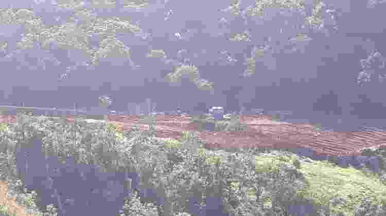 Área de mata próxima ao povoado de André do Mato Dentro (MG), aberta pela Vale para obras para contenção do rejeito da barragem Sul Superior - Programa Polos de Cidadania/UFMG