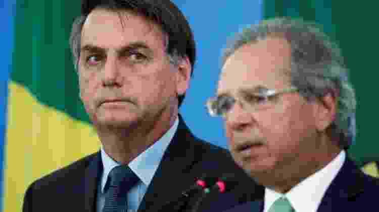 Nem mesmo o ex-assessor de Trump, Steve Bannon, guru dos Bolsonaro, é a favor da estratégia defendida pelo presidente brasileiro - Reuters
