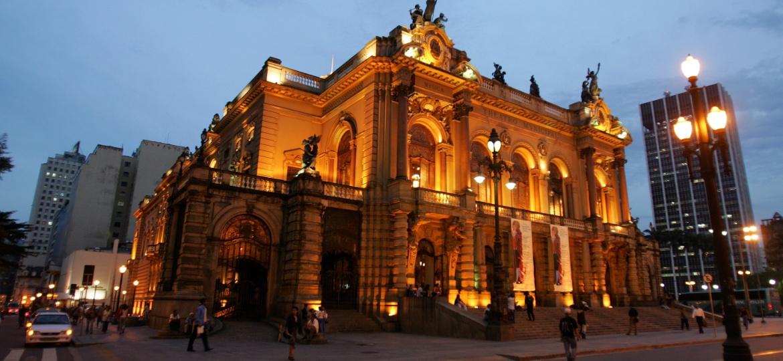 Fachada do Teatro Municipal de São Paulo - J. F. Diorio/Estadão Conteúdo