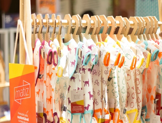A empresa Matiz faz peças com algodão orgânico e sem definição de gênero (rosa ou azul) para bebês. Na foto, body manga curta em algodão orgânico R$ 69,90