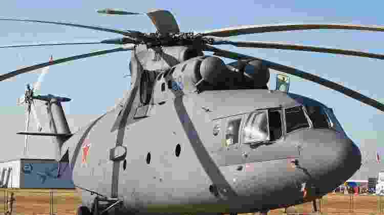 Mi-26 é um dos maiores helicópteros produzidos em série, tem oito pás e é capaz de decolar com um peso de até 56 toneladas - Alan Wilson - Alan Wilson