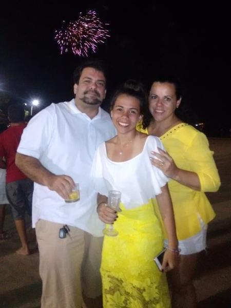 Kátia em foto com o marido e a filha - Arquivo Pessoal
