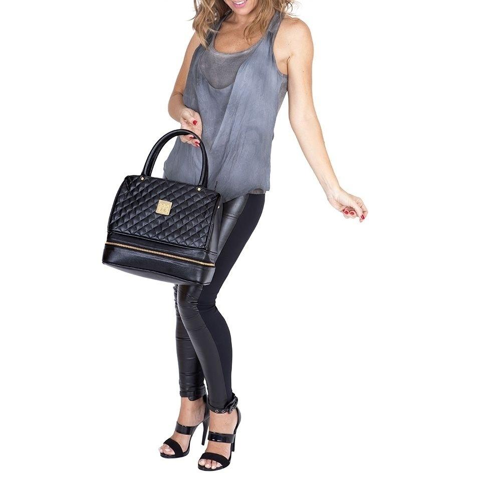 f9114dbc8 Empresa fatura R$ 2 milhões com bolsa térmica para marmita no estilo Chanel  - 17/08/2015 - UOL Economia