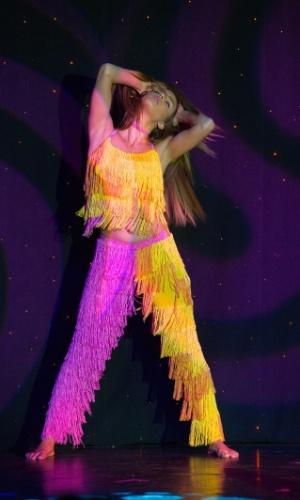 Já Da?a Radosavljevi?, Miss Sérvia, realizou apresentação com elementos acrobáticos. A disputa do Miss Universo 2015 ocorre na noite deste domingo (20), em Las Vegas, nos Estados Unidos