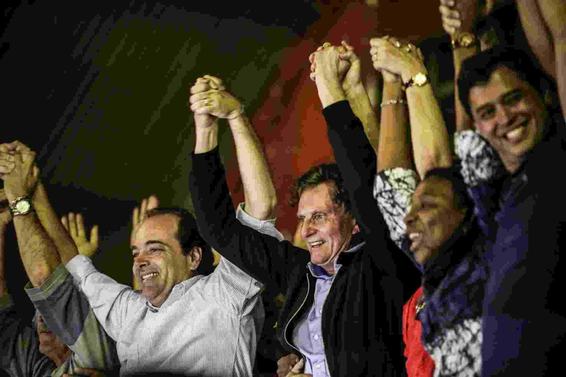 30.out.2016 - Prefeito eleito do Rio de Janeiro, Marcelo Crivella (PRB) discursa no Bangu Atlético Clube, zona oeste da cidade - Júlio César Guimarães/UOL