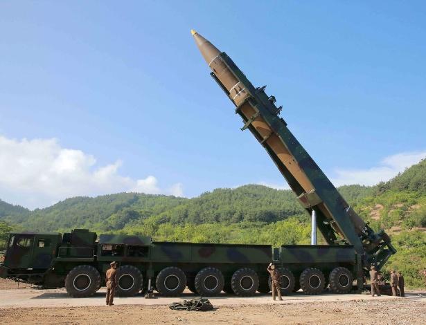 Caminhão utilizado no teste de míssil norte-coreano