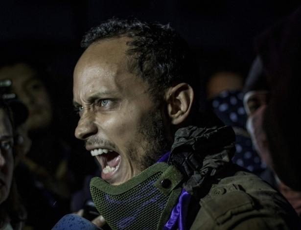 13.jul.2017 - O piloto venezuelano Óscar Pérez participa de protesto da oposição em Caracas
