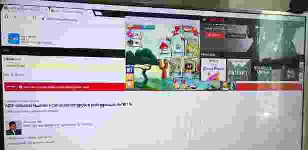 Vários aplicativos abertos no Samsung DeX em uma TV - Gabriel Francisco Ribeiro/UOL - Gabriel Francisco Ribeiro/UOL
