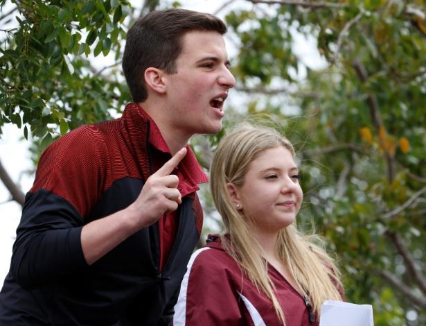 Os estudantes Cameron Kasky e Jaclyn Corin