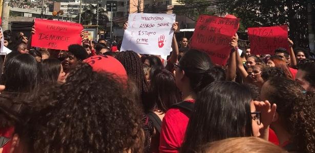 Alunos protestam contra assédio de professores nas unidades do colegío Pensi, no Rio de Janeiro - Arquivo Pessoal