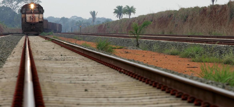 09f9daa0d Ferrovia Norte-Sul vai a leilão sob suspeita e risco de parar na Justiça