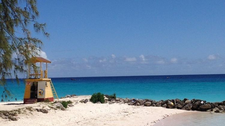 O sol nunca some por muito tempo em Barbados - BBC - BBC