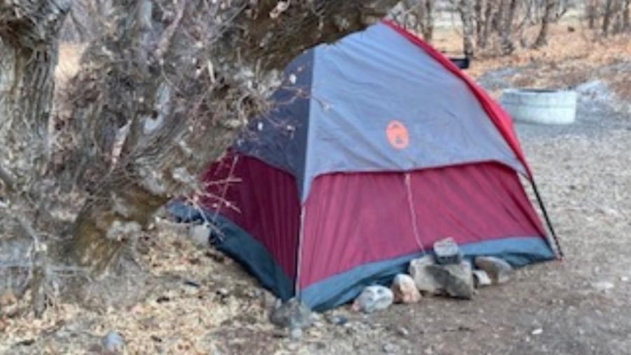 """Mulher estava em uma barraca na região do Cânion Diamond Fork - Divulgação/Utah County Sheriff""""s Office"""