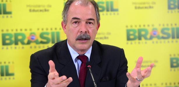 O ministro Aloizio Mercadante (foto) convidou Luiz Roberto Curi para o Inep