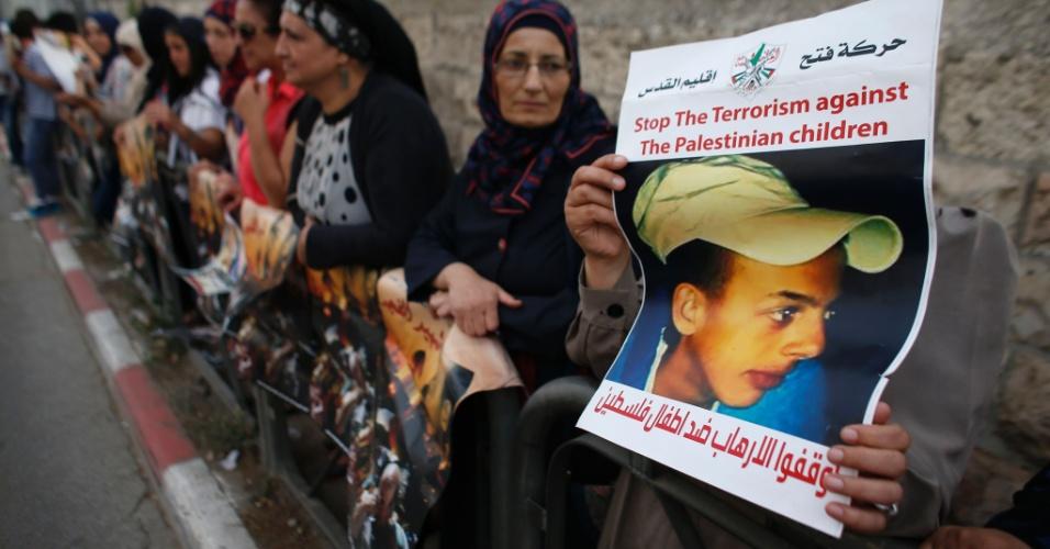 Palestinos protestam contra a morte de Mohammed Abu Khdeir
