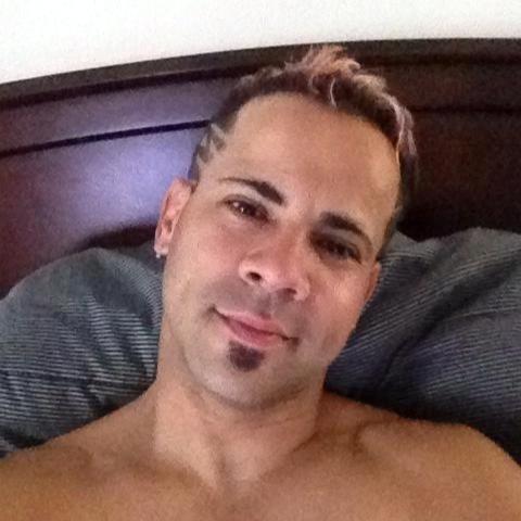 13.jun.2016 - Xavier Emmanuel Serrano Rosado, 35, é uma das vítimas do massacre que aconteceu na boate gay Pulse, em Orlando, na Flórida (EUA). Ele trabalhava na Disney Live!