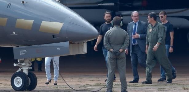 Eduardo Cunha embarca para Curitiba