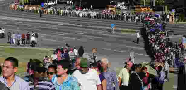 Cubanos formam fila para se despedir de Fidel Castro - Enrique De La Osa/ Reuters - Enrique De La Osa/ Reuters