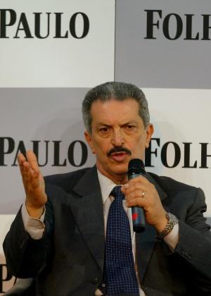 O então senador Romeu Tuma em foto de 2002, quando era filiado ao hoje extinto PFL, em debate com candidatos ao Senado