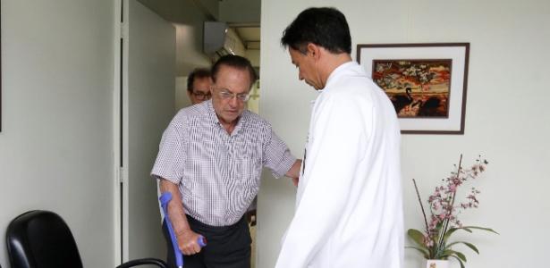 22.dez.2017- Paulo Maluf passa por perícia médica no IML de Brasília antes de ser levado ao presídio da Papuda