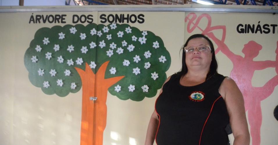 3.set.2018 - Silvânia Gouveia da Silva, 49, diretora da escola municipal José Wilson, em Areias, zona rural de Coruripe (AL)