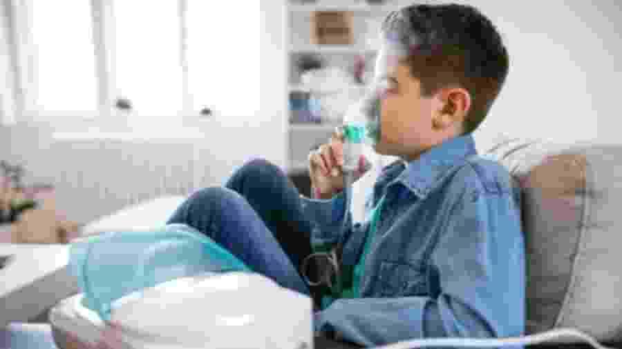 Crianças e idosos são os que mais sentem os efeitos da fumaça - Getty Images