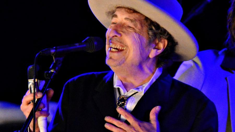 Cantor Bob Dylan se apresenta no The Hop Festival - KI PRICE