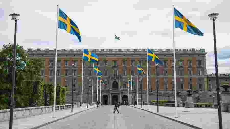 29.maio.2020 - Movimentação baixa em frente ao Palácio Real de Estocolmo, na Suécia, durante a pandemia de coronavírus - Jonathan NACKSTRAND / AFP