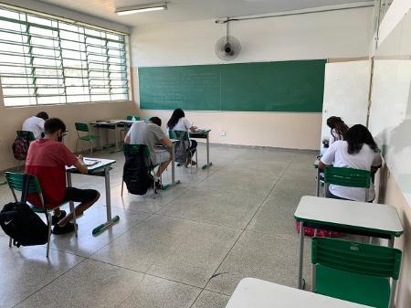 Infectologistas questionam plano de aulas presenciais de agosto em SP