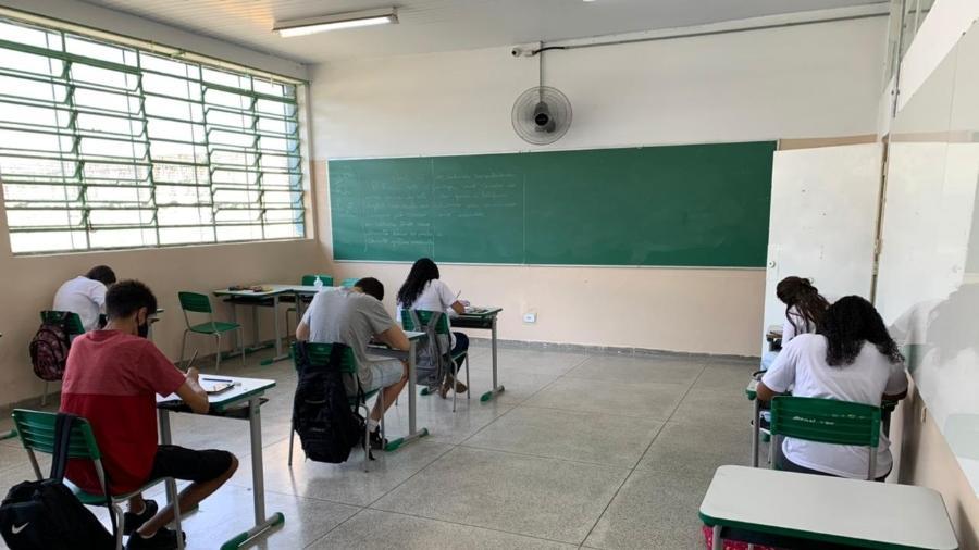 Projeto em tramitação na Câmara dos Deputados torna aulas presenciais serviço essencial no país - Ana Paula Bimbati/UOL