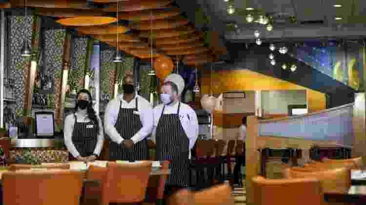 Restaurante em Nova York; plano de Biden colocou em prática socorro econômico de US$ 1,9 trilhão - EPA - EPA