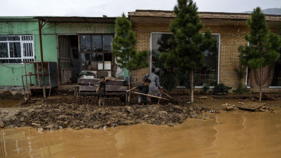 Foto de agosto de 2020, quando vilarejos ficaram inundados e 162 morreram em decorrência das chuvas - AFP