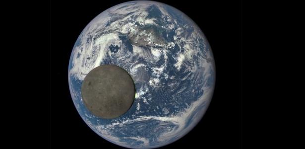 Câmera da Nasa registra o momento em que a Lua passa pelo lado iluminado da Terra