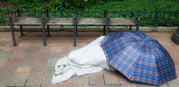 da36c50d6 MP-SP questiona decreto que permite retirar cobertor de morador de ...