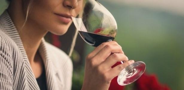 Apesar de conhecida, a ligação entre beber álcool e câncer de mama é apenas um dos fatores de risco