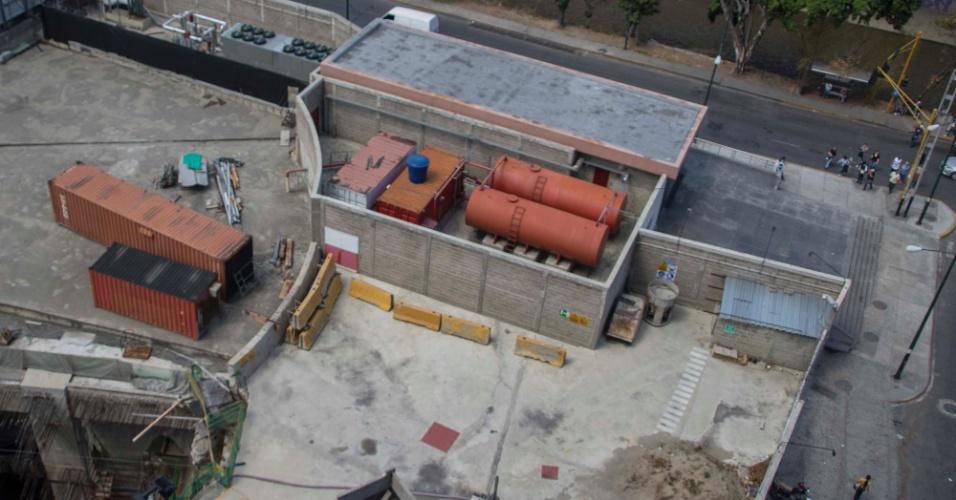 22.mar.2018 - A estação Bello Monte, da Linha 5 do metrô de Caracas, foi inaugurada em 2015. Apesar disso, as obras não acabaram até hoje no local
